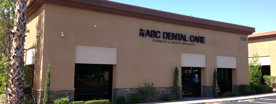 http://dentalimplantslasvegas.org/images/dental-implants-las-vegas-dentist-office.jpg